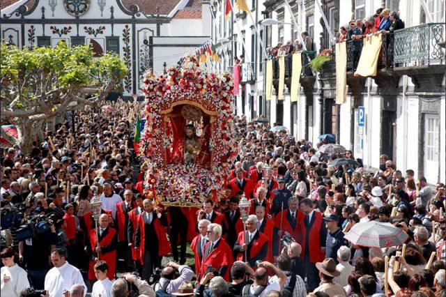 The Feasts of Santo Cristo dos Milagres