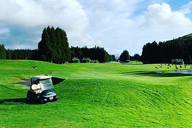 https://www.atlantivacations.com/wp-content/uploads/2019/05/golf-summer-season-azores-packages-atlantivacations.jpg
